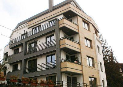 Жилищна сграда с подземни гаражи, кв.Гео Милев