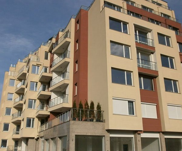Multifunctional residential building with stores, offices, studios, and underground garages, Manastirski Livadi housing district